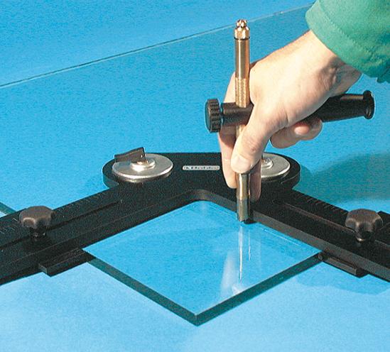 Werkzeugset für Eckausschnitte